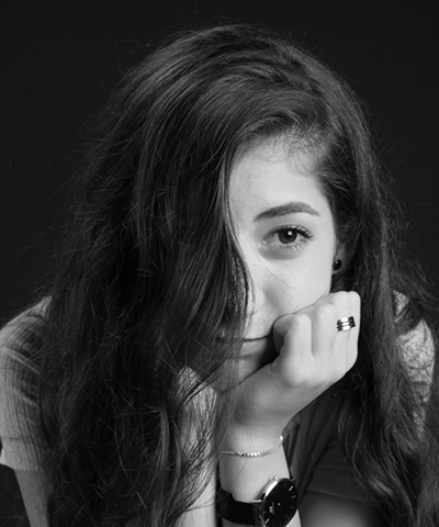 Roua - Senior graphic designer